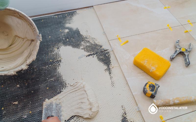 postavljanje keramickih plocica na lijepilo