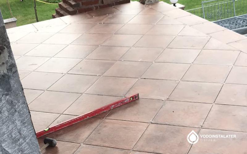 postavljene keramicke plocice